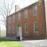 Mount Washington Tavern built around 1830