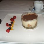 Tiramissu and coffee