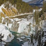 Wapta Falls, short hike up the trail. STUNNING