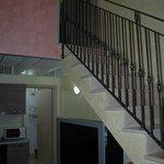 scala per raggiungere la camera matrimoniale dell'appartamento