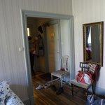 Hotell dubbel superior (Коридор и дверь в туалет)