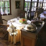 Table avec presse à canard