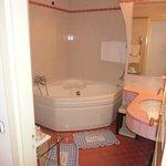 Salle de bain - baignoire hydromassante