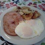 Eggs, Ham, Potatoes & Toast