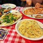 Pizza Margarita & Spaghetti Cacio e Pepe