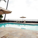 Swim right by the ocean - great hot tub and pin pon tables too!