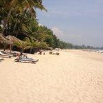 Hotel Bay View Beach Area