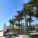 Liegebereich Hotel-Garten und Strand