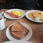 Zdjęcie Sam's Coffee Shop