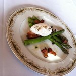 Roasted Asparagas with poached egg, capers and bacon