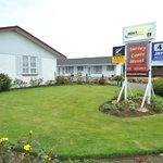 Surrey Court Motel