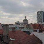 Вид из окна номера на 7 этаже (мансарда).