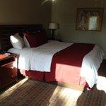 King bed -- nice pillows!!