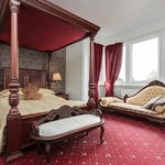 KING SIZE FOUR POSTER ROOM