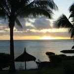 beau coucher de soleil face de la case nautique