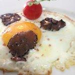 uovo con tartufo e hawaiian salt