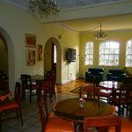 communal area and breakfast room