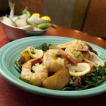 Shrimp with potatoes and spinach