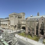 Exterior view of the Yale University Art Gallery. © Chris Gardner, 2012