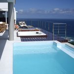 View of the pool and the jacuzzi