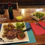 Le Porc Noir de Bigorre cuisiné à la plancha afin de préserver toute sa saveur... un must !