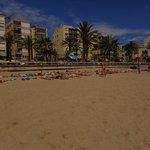 La plage de Lloret située à 10 minutes à pieds de l'hotel