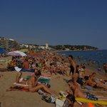 La plage de Lloret à 10 minutes à pieds de l'hotel