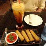 Spring rolls, Thai tea