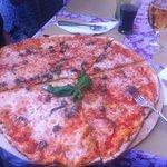 heerlijke pizza, fantastische bodem!!