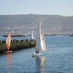 Deportes náuticos en el puerto de moaña
