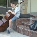 Музыкант на бульваре