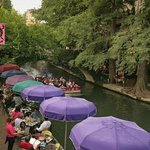 Central location to walk to many San Antonio attractions