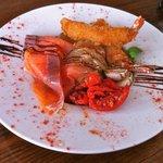 Mini salad smoked salmon & prawns