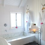 Cottage - marble bath