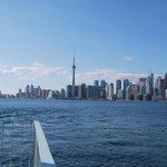 Toronto vom See aus gesehen