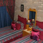 Self Catering Villa - Twin/Double bed bedroom