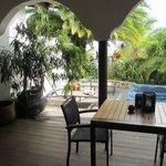 "private lanai with hot tub, ""mawar mira"" suite"