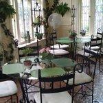Sun room/ breakfast area