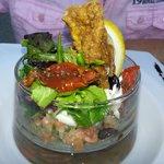 tartare de saumon aux petits légumes sauce au raifort