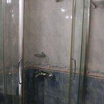 REGULAR SUITES Shower・booth