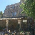 LE PETIT CAFÉ Restaurant & Bar à Vins