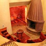 la cheminée de la salle commune