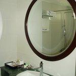 Room#603 bath room with big mirror