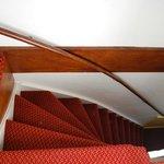le scale che portano alla  stanza 330