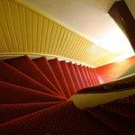 Rampa di scale prima del piano terra