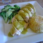 Panela Chicken (chicken breast stuffed with cheese, topped with green sauce)