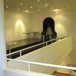 Gallerie mit Ausblick auf den Saal