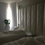 small beds, broken shade wouldn't close all the way