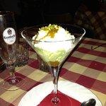 Mousse al pistacchio con panna montata