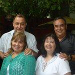 Disfrutando con los Compadres Rodrigo y Nena en el Traspatio